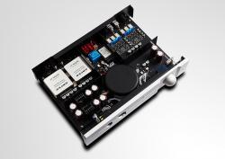 auralic-taurus-mkii-balanced-headphone-amp-review-inside-lg.jpg